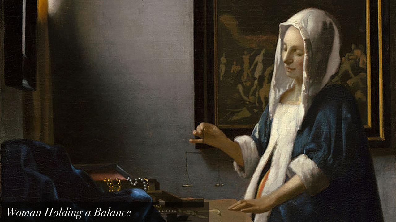 Mujer sosteniendo una balanza_text_en