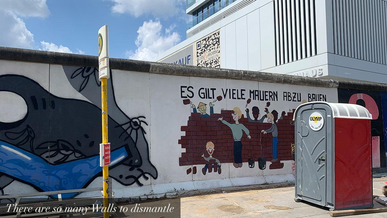 galeria-el muro de la ignorancia-es-gilt-en